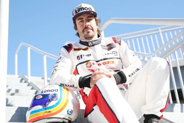 """Alonso: """"Conducir de noche quizá sea el reto más fácil"""""""