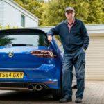 [Vídeo] Este anciano tiene 75 años y un Volkswagen Golf R en el garaje ¡Con más de 600 CV!