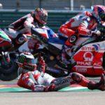 Así fue la caída de Lorenzo en la primera curva de MotorLand