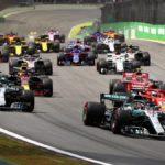 Hamilton gana gracias a un toque de Ocon con Verstappen