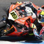 Bautista arrasa en su debut en el Mundial de Superbikes