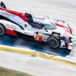 Lucha al límite entre los Toyota en el primer día con Alonso 2º