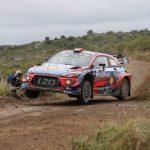 Thierry Neuville pone tierra de por medio en Argentina
