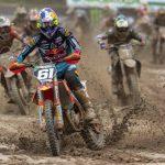Jorge Prado arrasa en Mantova y aprieta el Mundial de MX2