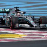 Hamilton compensa el retraso y McLaren empieza con solidez