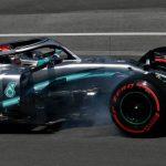 Hamilton manda, el motor de Bottas falla y Sainz empieza 7º