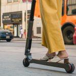 Hyundai y Kia se apuntan a la moda del «patinete»: En un futuro lo veremos en sus coches…