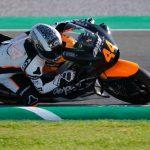 Fernández debuta con el Estrella Galicia y Canet, en Moto2