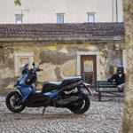 ¿Podré aparcar mi moto sin etiqueta medioambiental de la DGT en Madrid a partir del 2020?