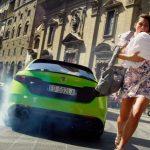 ¿Quieres ver un Alfa Romeo Giulia Quadrifoglio en su salsa?: Atento a lo nuevo de Netflix