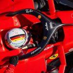 Vettel da un golpe en la mesa