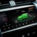 Los Range Rover Evoque y Land Rover Discovery Sport estrenan mecánica enchufable de tres cilindros y 309 CV