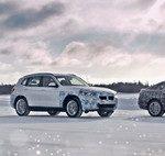 El futuro SUV Audi Q4 e-tron podría llegar como el coche eléctrico más asequible de Audi: 27.600 euros menos que el e-tron