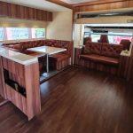 El lugar ideal para unas vacaciones libres de COVID es este Scania camperizado de 380.000 euros