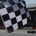 La F1 vende... los cuadros de la bandera ajedrezada de meta
