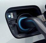Las etiquetas 'CERO' para coches eléctricos llegarán en otoño a Reino Unido en forma de matrícula con un distintivo verde