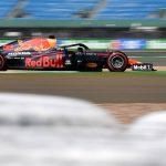 McLaren empieza frío, falla un Ferrari y manda Verstappen