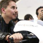 Lorenzo espera a Yamaha con oferta de Aprilia en la mesa
