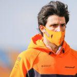 Carlos Sainz defiende un test con el Ferrari en Abu Dhabi