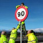 """La DGT prohibirá rebasar en 20 km/h la velocidad para adelantar en vías convencionales: """"No pasa nada por ir detrás de un camión"""""""