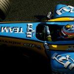Renault mima a Alonso y devuelve a la vida su mágico R25