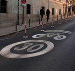 La DGT quiere cambiar para siempre el tráfico de las ciudades, quitando las señales y eliminando muchos semáforos