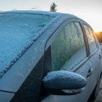 La Guardia Civil nos cuenta su truco para eliminar el hielo del parabrisas con suma facilidad