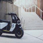 Husqvarna ultima su gama eléctrica más urbanita con un scooter 49cc como modelo estrella