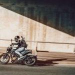 La técnica de la espiga, o cómo la DGT quiere que uses la moto en carretera