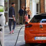 Opel abandona el diésel y la gasolina: sólo venderá coches eléctricos en 2028… y volverá el Opel Manta