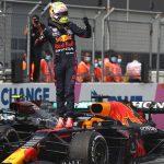 Verstappen incendia el Mundial con show de Sainz y Alonso