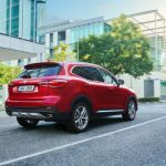 Un SUV híbrido enchufable por menos de 30.000 euros: así es la oferta del MG EHS ¿sin trampa ni cartón?
